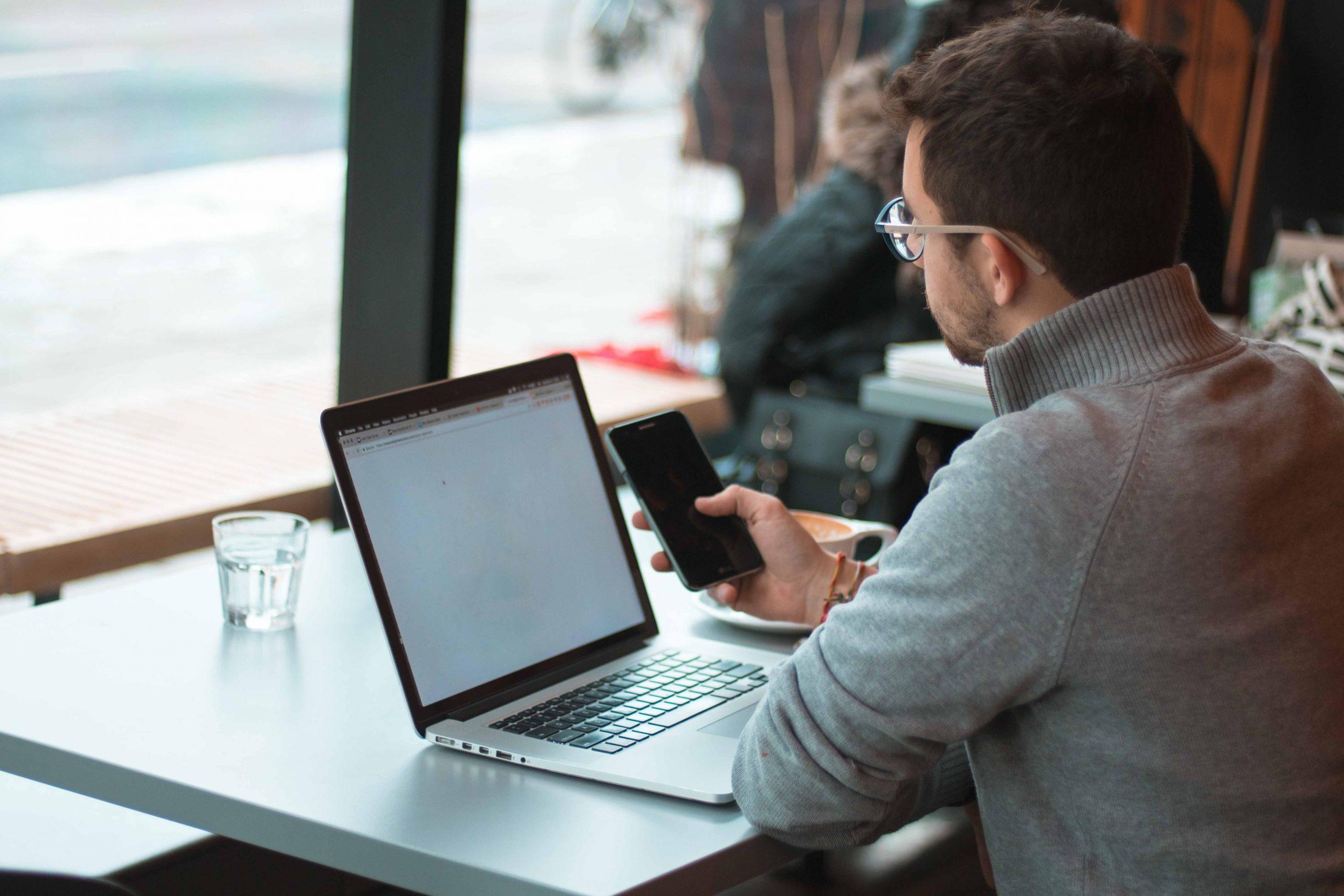 trouver premier client freelance